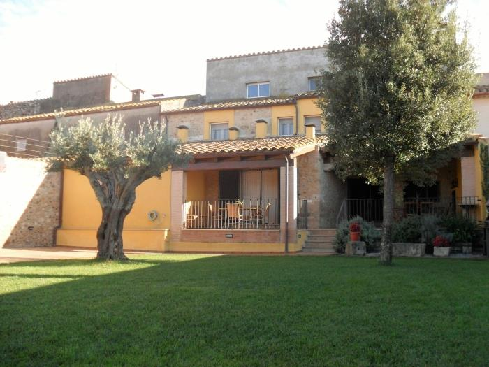 Accommodation at the Empordà